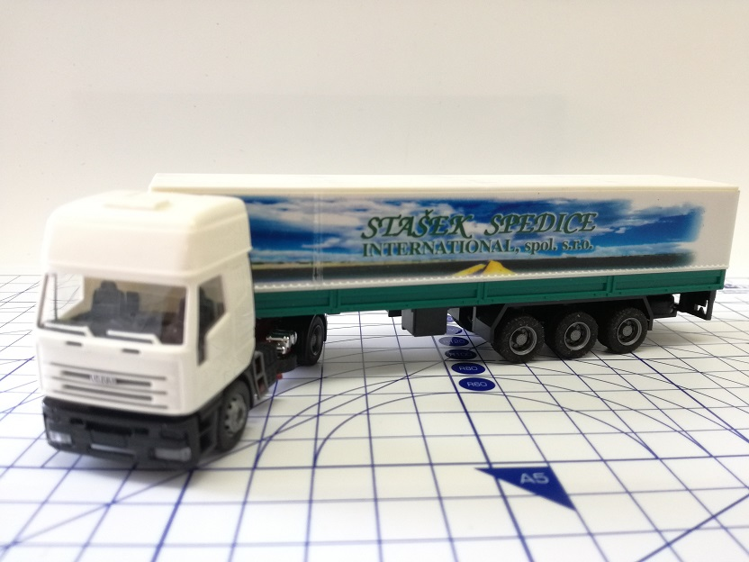 Igra Model 1:87 - Iveco - Stašek Spedice International s.r.o.